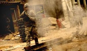 rifle machine gun soldier smoke armor war machine iraq 2560x1600 wallpaper_www.wallmay.com_72