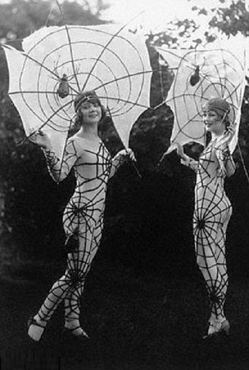 Vintage-Halloween-costumes-6