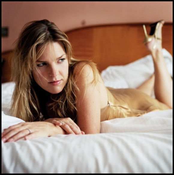 diana_krall_sexy_photo_WJffHQJ.sized