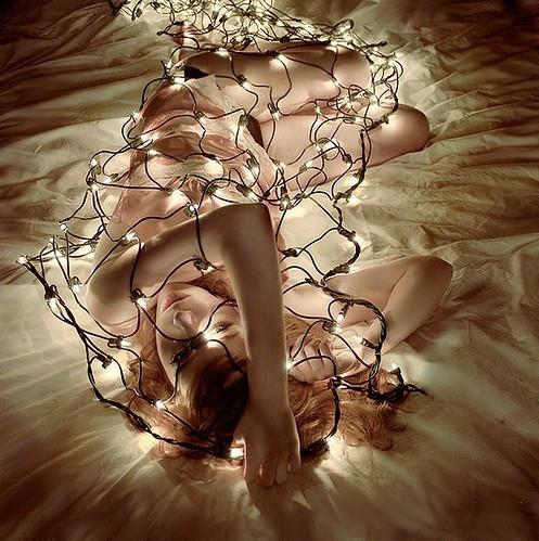 art-beauty-bed-christmas-lights-contrast-darkness-Favim.com-38586