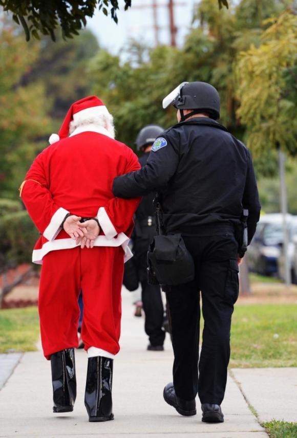 Santa--no papers