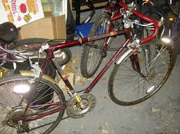 I actually found a photo of the exact same bike--mine had a seat.