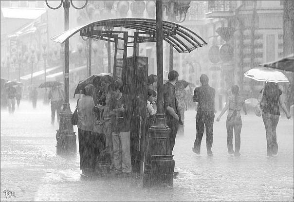 black-and-white-people-rain-storm-summer-favim-com-191692