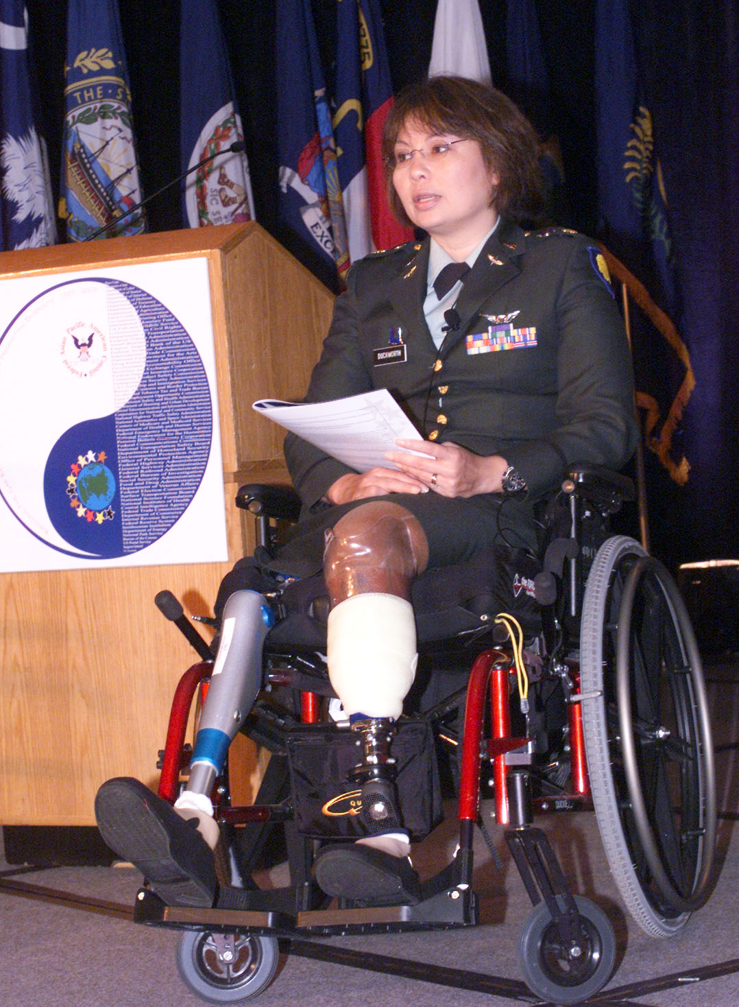 Tammy_Duckworth_wheelchair