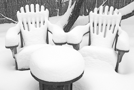 winter-snow-outdoor-furniture_lwtirz